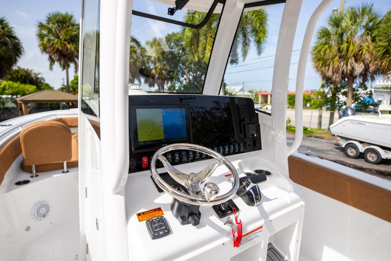 Thumbnail 31 for New 2022 Sea Hunt Ultra 255 SE boat for sale in West Palm Beach, FL