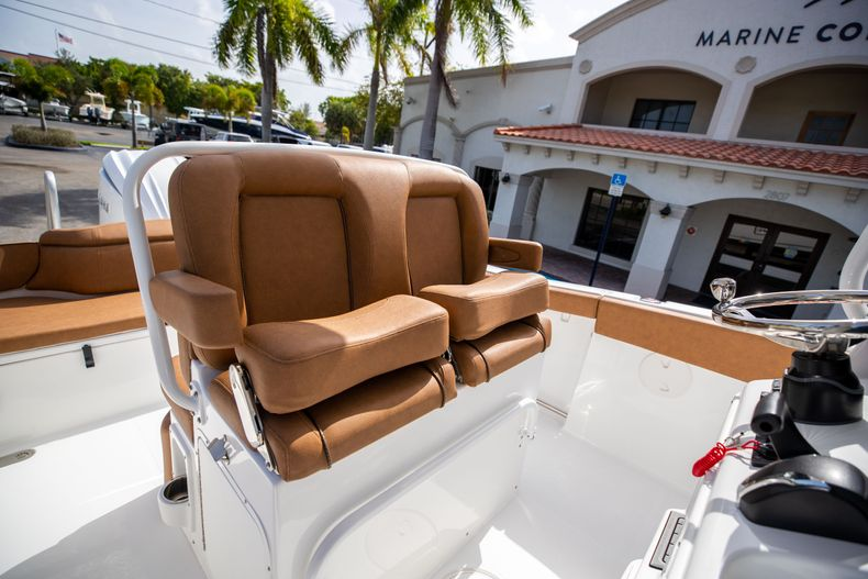 Thumbnail 33 for New 2022 Sea Hunt Ultra 255 SE boat for sale in West Palm Beach, FL