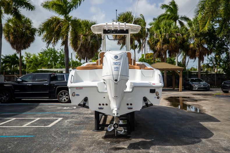 Thumbnail 6 for New 2022 Sea Hunt Ultra 255 SE boat for sale in West Palm Beach, FL