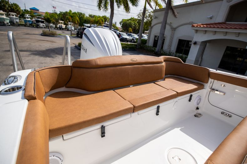 Thumbnail 9 for New 2022 Sea Hunt Ultra 255 SE boat for sale in West Palm Beach, FL