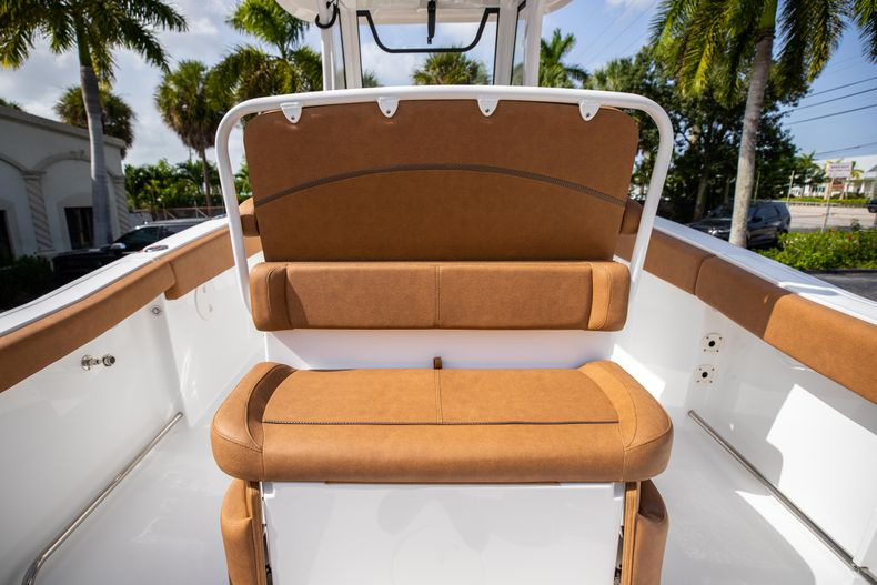 Thumbnail 18 for New 2022 Sea Hunt Ultra 255 SE boat for sale in West Palm Beach, FL