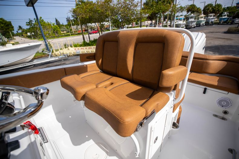 Thumbnail 36 for New 2022 Sea Hunt Ultra 255 SE boat for sale in West Palm Beach, FL
