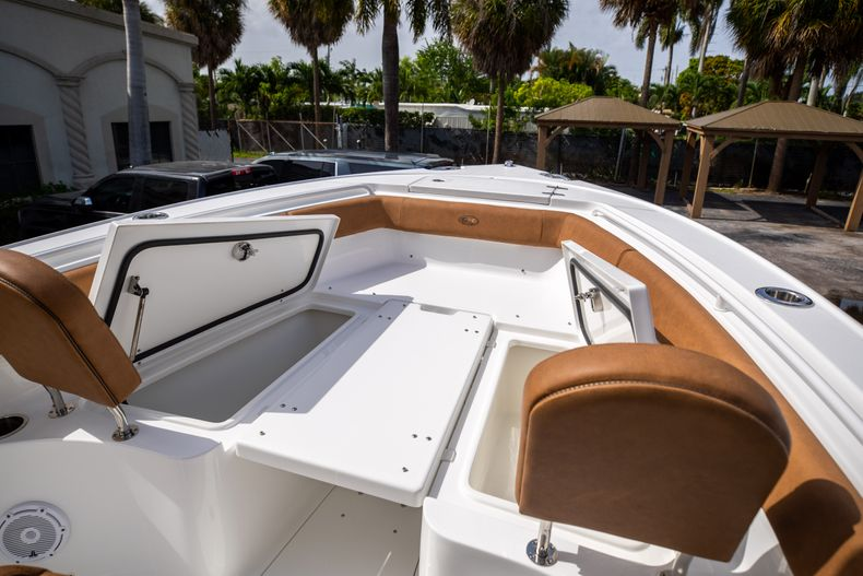 Thumbnail 38 for New 2022 Sea Hunt Ultra 255 SE boat for sale in West Palm Beach, FL