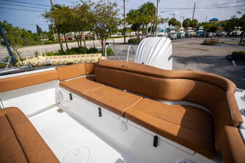 Thumbnail 12 for New 2022 Sea Hunt Ultra 255 SE boat for sale in West Palm Beach, FL