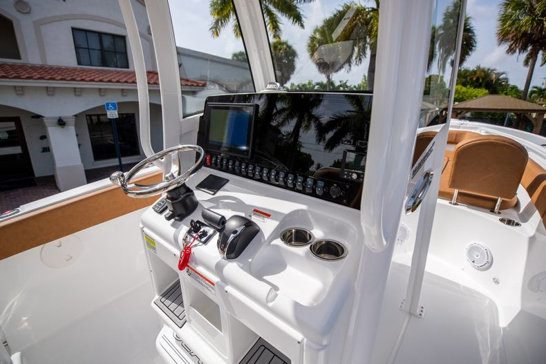 Thumbnail 25 for New 2022 Sea Hunt Ultra 255 SE boat for sale in West Palm Beach, FL