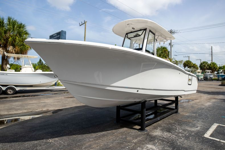 Thumbnail 3 for New 2022 Sea Hunt Ultra 255 SE boat for sale in West Palm Beach, FL