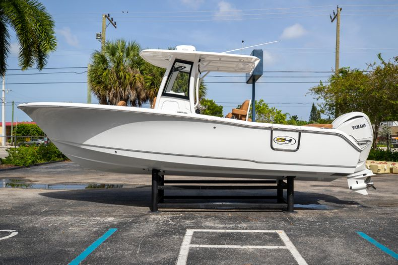 Thumbnail 4 for New 2022 Sea Hunt Ultra 255 SE boat for sale in West Palm Beach, FL