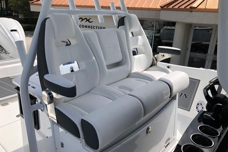 Thumbnail 20 for New 2022 Blackfin 332CC boat for sale in Vero Beach, FL