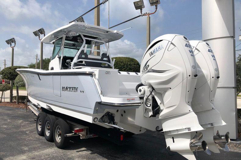 Thumbnail 3 for New 2022 Blackfin 332CC boat for sale in Vero Beach, FL