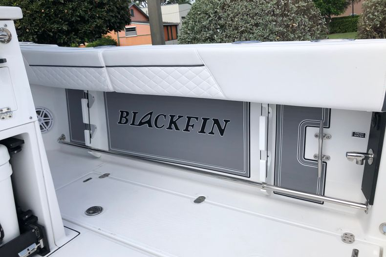Thumbnail 28 for New 2022 Blackfin 332CC boat for sale in Vero Beach, FL