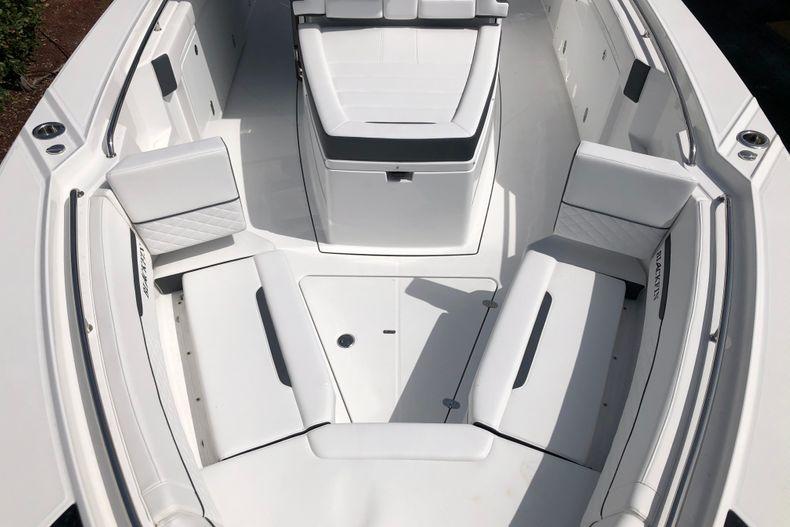 Thumbnail 15 for New 2022 Blackfin 332CC boat for sale in Vero Beach, FL