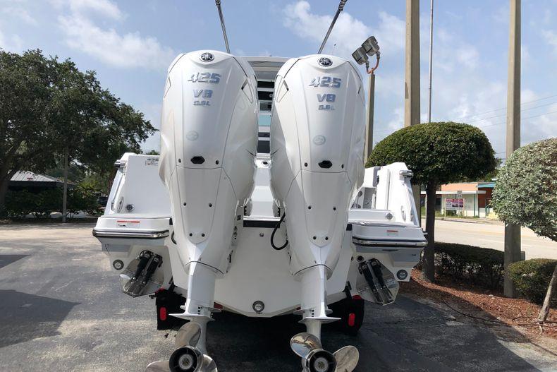 Thumbnail 4 for New 2022 Blackfin 332CC boat for sale in Vero Beach, FL