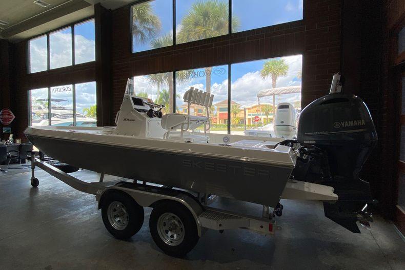 Thumbnail 1 for New 2022 Skeeter SX210 boat for sale in Stuart, FL
