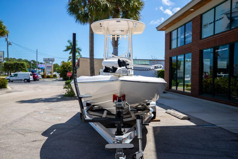 Thumbnail 2 for New 2022 Skeeter SX240 boat for sale in Stuart, FL