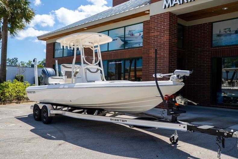 Thumbnail 1 for New 2022 Skeeter SX240 boat for sale in Stuart, FL
