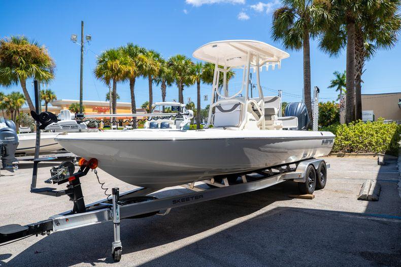 Thumbnail 3 for New 2022 Skeeter SX240 boat for sale in Stuart, FL
