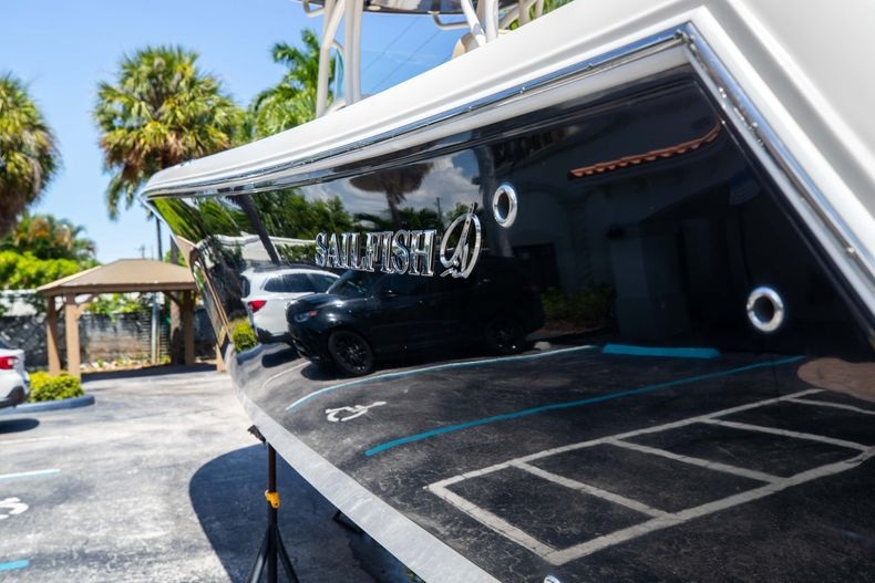 Thumbnail 8 for Used 2017 Sailfish 320CC boat for sale in West Palm Beach, FL