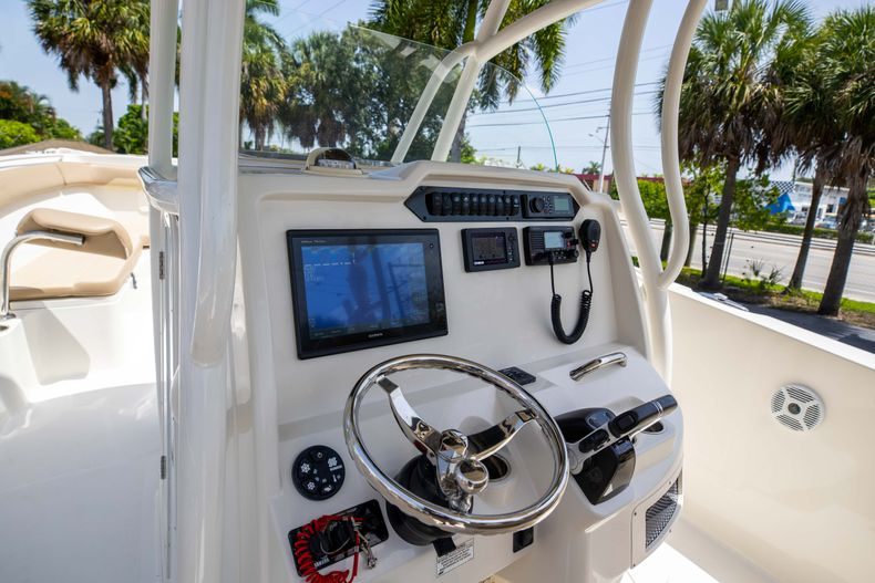 Thumbnail 31 for Used 2017 Sailfish 320CC boat for sale in West Palm Beach, FL