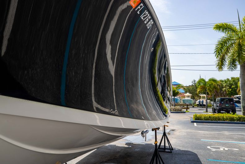Thumbnail 5 for Used 2017 Sailfish 320CC boat for sale in West Palm Beach, FL