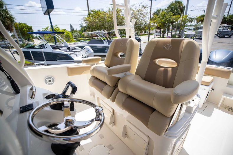 Thumbnail 34 for Used 2017 Sailfish 320CC boat for sale in West Palm Beach, FL