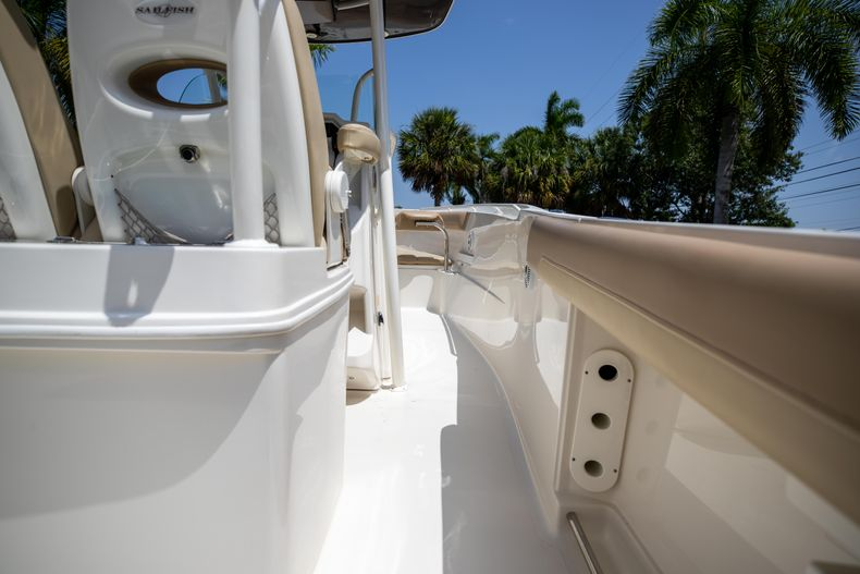 Thumbnail 18 for Used 2017 Sailfish 320CC boat for sale in West Palm Beach, FL
