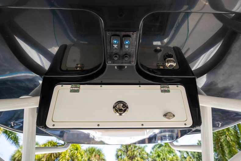 Thumbnail 30 for Used 2017 Sailfish 320CC boat for sale in West Palm Beach, FL
