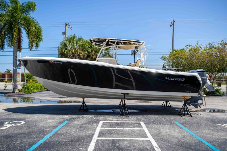 Thumbnail 6 for Used 2017 Sailfish 320CC boat for sale in West Palm Beach, FL