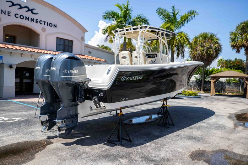Thumbnail 10 for Used 2017 Sailfish 320CC boat for sale in West Palm Beach, FL
