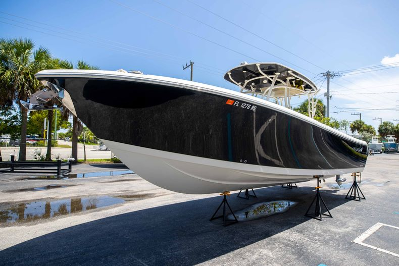 Thumbnail 4 for Used 2017 Sailfish 320CC boat for sale in West Palm Beach, FL