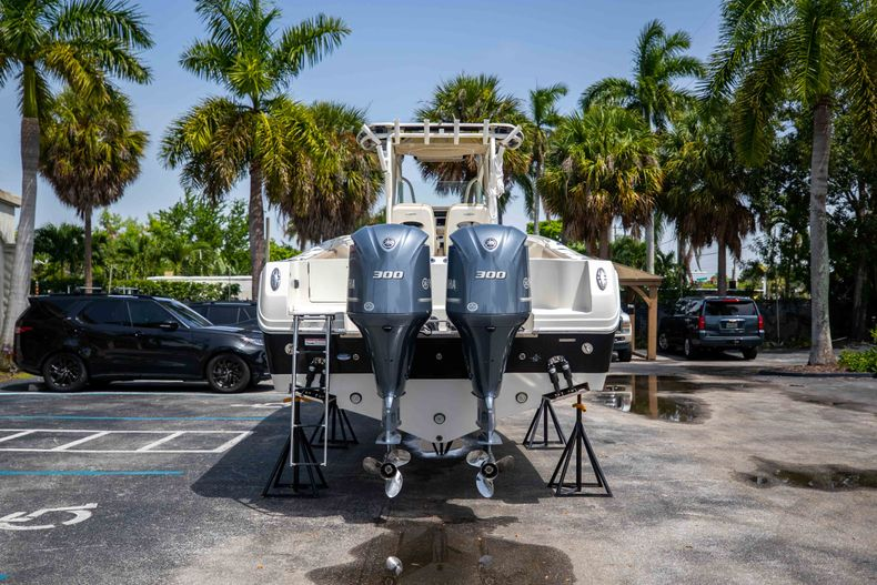 Thumbnail 9 for Used 2017 Sailfish 320CC boat for sale in West Palm Beach, FL