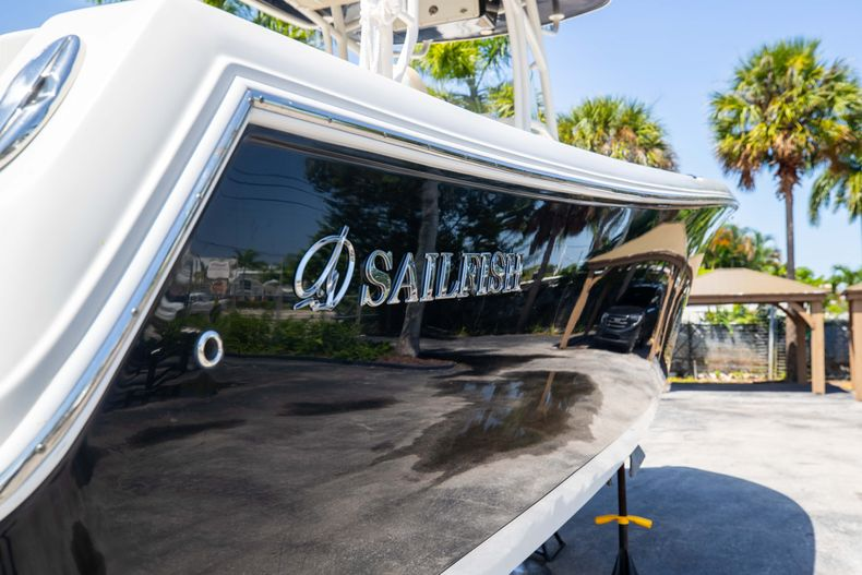 Thumbnail 11 for Used 2017 Sailfish 320CC boat for sale in West Palm Beach, FL