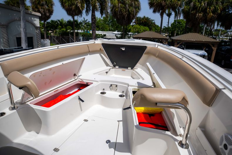 Thumbnail 40 for Used 2017 Sailfish 320CC boat for sale in West Palm Beach, FL