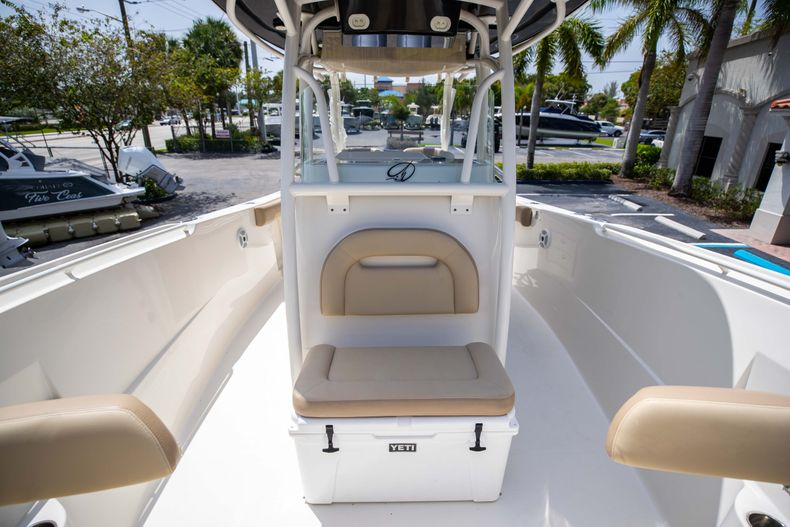 Thumbnail 44 for Used 2017 Sailfish 320CC boat for sale in West Palm Beach, FL