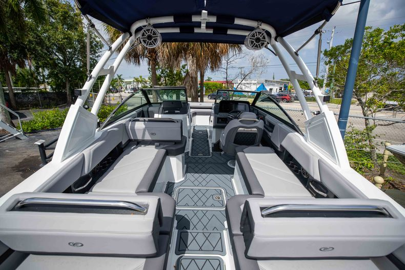 Thumbnail 3 for New 2021 Cobalt R6 OB boat for sale in West Palm Beach, FL