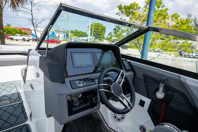 Thumbnail 4 for New 2021 Cobalt R6 OB boat for sale in West Palm Beach, FL