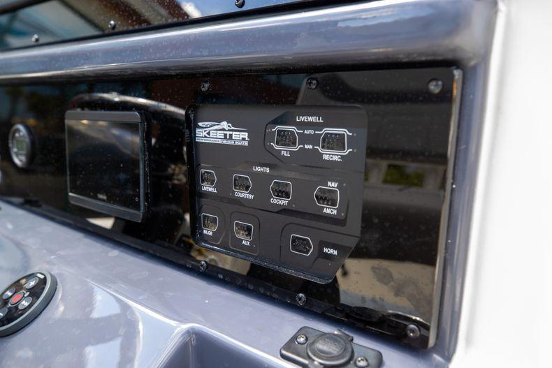 Thumbnail 18 for New 2022 Skeeter SX2550 FISH boat for sale in Stuart, FL