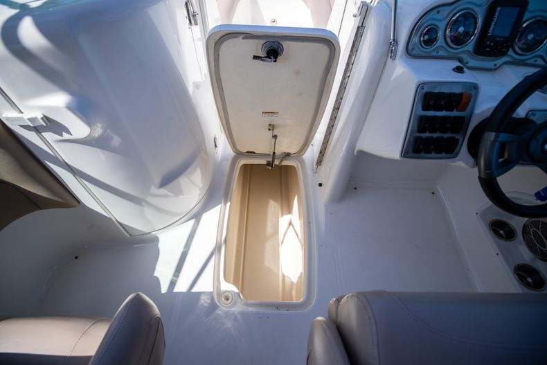 Thumbnail 35 for Used 2015 Hurricane SunDeck SD 2400 OB boat for sale in West Palm Beach, FL