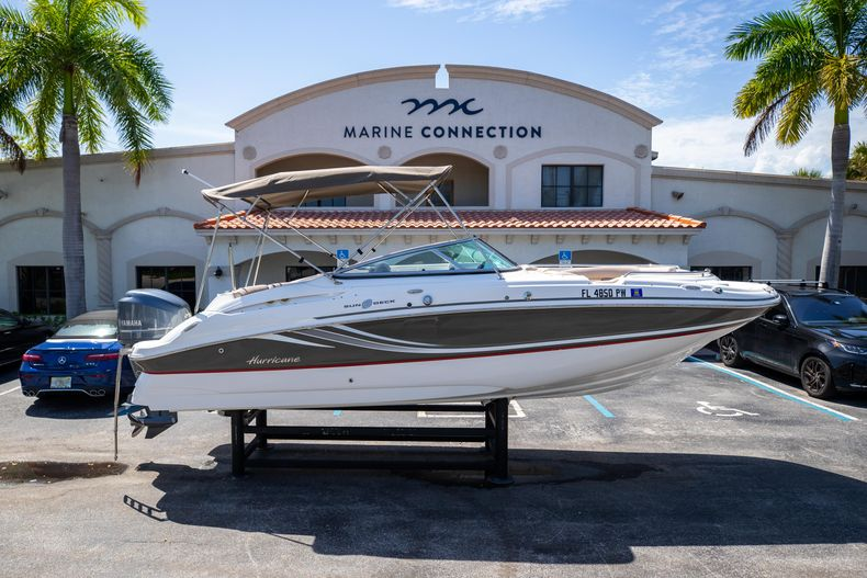 Used 2015 Hurricane SunDeck SD 2400 OB boat for sale in West Palm Beach, FL