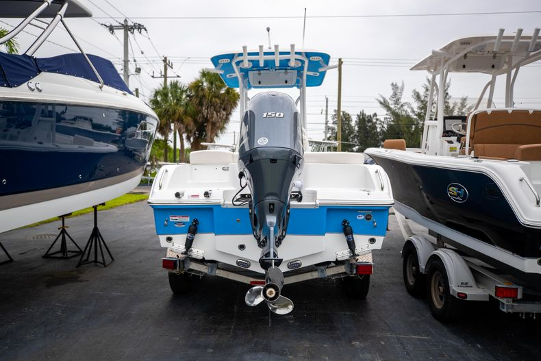 Thumbnail 1 for New 2022 Sea Hunt Ultra 219 boat for sale in West Palm Beach, FL