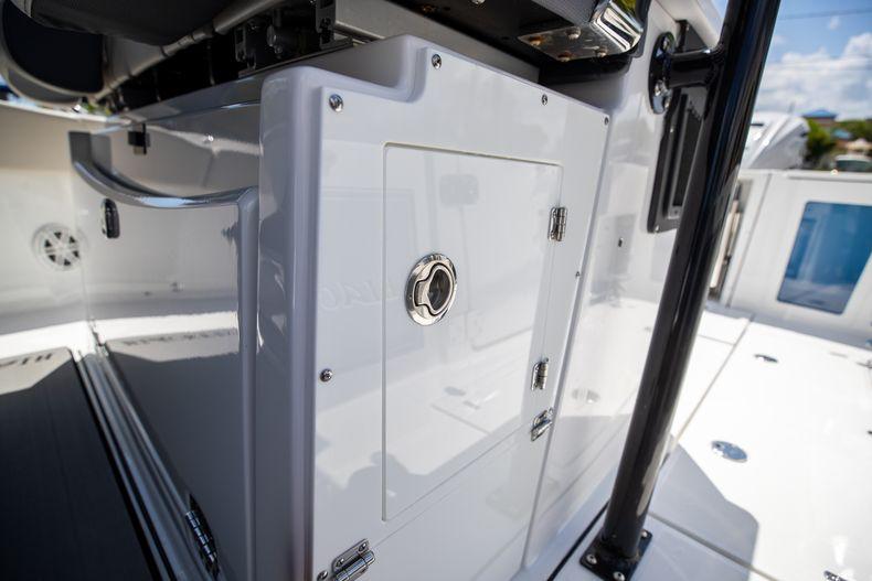 Thumbnail 34 for Used 2021 Blackfin 332CC boat for sale in Islamorada, FL