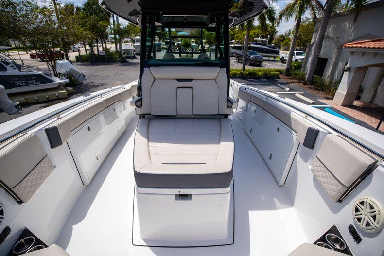 Thumbnail 62 for Used 2021 Blackfin 332CC boat for sale in Islamorada, FL