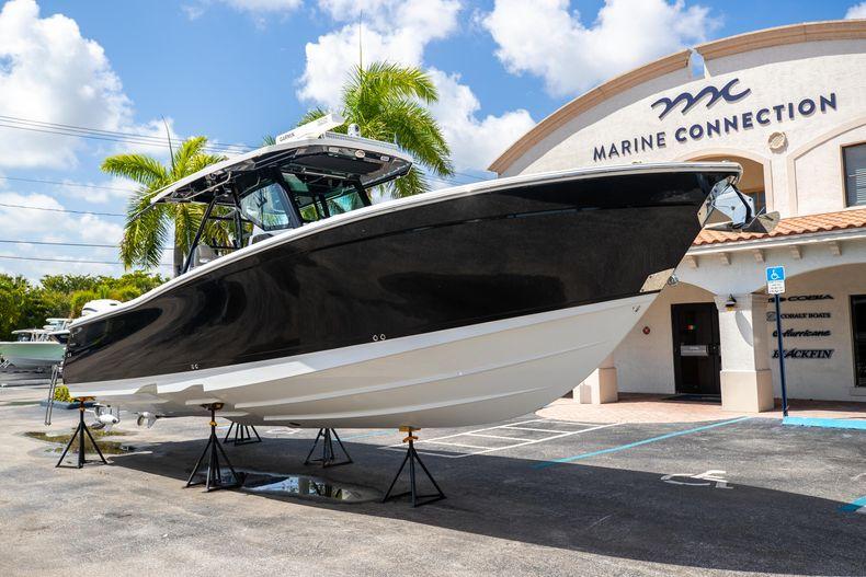 Thumbnail 1 for Used 2021 Blackfin 332CC boat for sale in Islamorada, FL