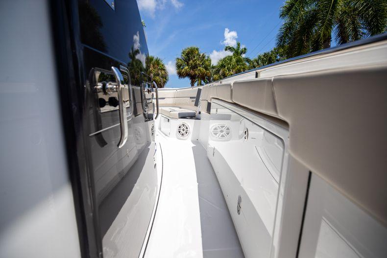 Thumbnail 52 for Used 2021 Blackfin 332CC boat for sale in Islamorada, FL
