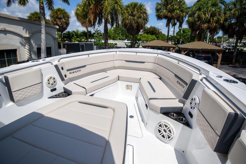 Thumbnail 56 for Used 2021 Blackfin 332CC boat for sale in Islamorada, FL