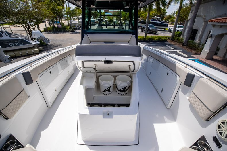 Thumbnail 63 for Used 2021 Blackfin 332CC boat for sale in Islamorada, FL