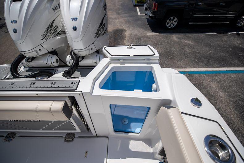 Thumbnail 19 for Used 2021 Blackfin 332CC boat for sale in Islamorada, FL