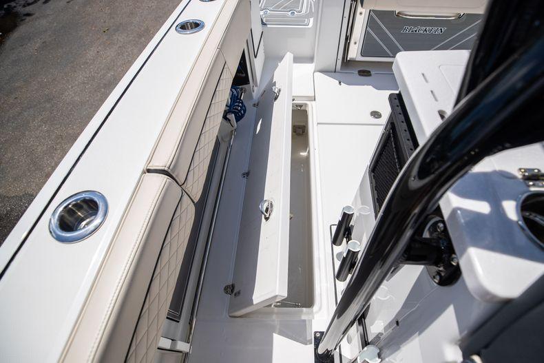Thumbnail 25 for Used 2021 Blackfin 332CC boat for sale in Islamorada, FL