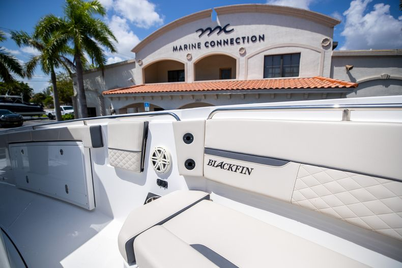 Thumbnail 64 for Used 2021 Blackfin 332CC boat for sale in Islamorada, FL