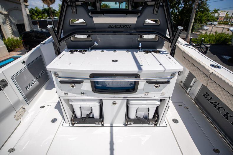 Thumbnail 26 for Used 2021 Blackfin 332CC boat for sale in Islamorada, FL