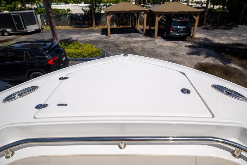 Thumbnail 60 for Used 2021 Blackfin 332CC boat for sale in Islamorada, FL